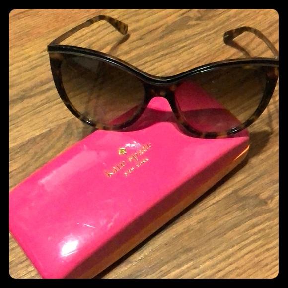 0ea305c1c5 Kate Spade Accessories - Kate Spade ♤ sunglasses